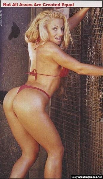 Trish Stratus in a bikini - ass