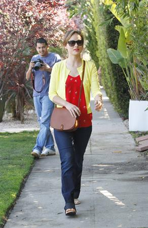 Olivia Wilde out in santa monica 030312