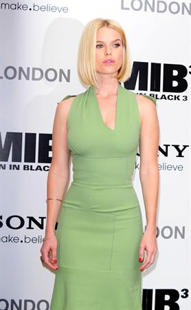 Alice Eve man in black 3 photocall in london 16 05 12
