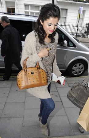 Selena Gomez leaving the Spaghetti House in London on July 6, 2011