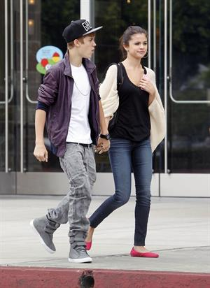 Selena Gomez and Justin Bieber in Los Angeles on September 16, 2011