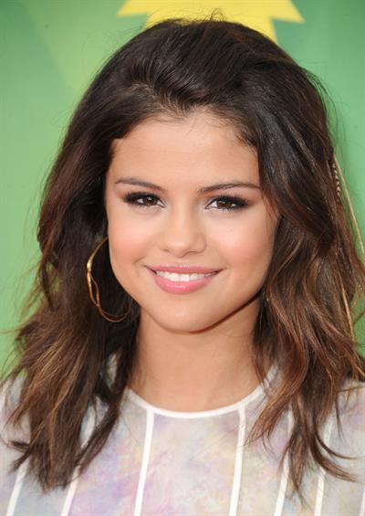 Selena Gomez at Nickelodeons 24th annual Kids Choice Awards at Galen center on April 2, 2011