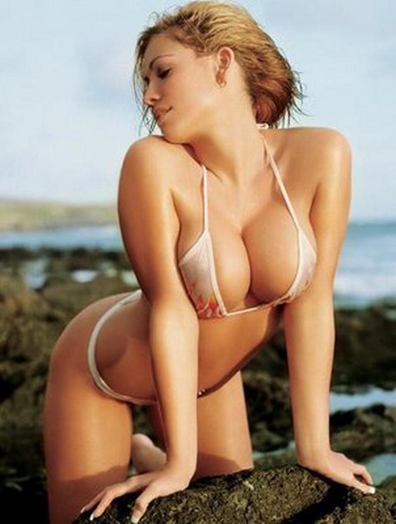 Elin Grindemyr in a bikini