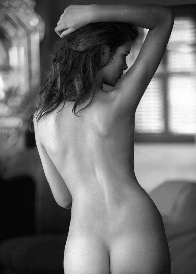 nudes-photos-sarah-white