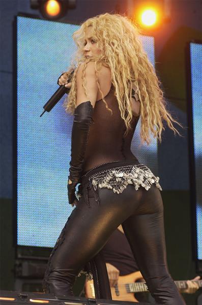 Shakira - ass