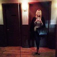 Renée Hall taking a selfie