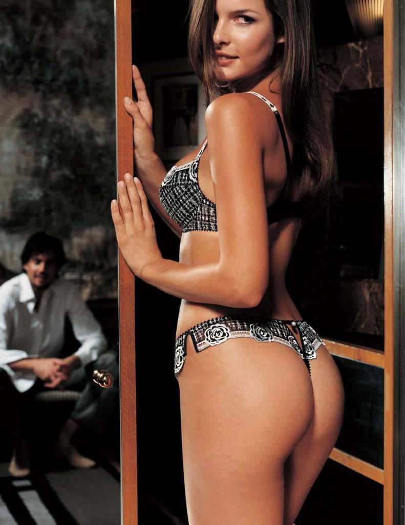 Wendy Dubbeld in lingerie - ass