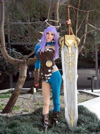 Lyz Brickley - Castanic Slayer Cosplay