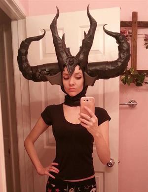 Lyz Brickley - Diablo's Lilith Cosplay
