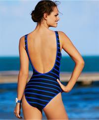 Lisalla Montenegro in a bikini - ass
