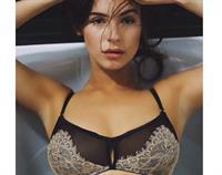 Lauren Loretta in lingerie