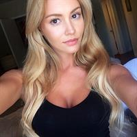 Bryana Holly taking a selfie