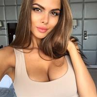 Viktoria Odintsova taking a selfie