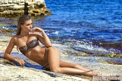 Samantha Hoopes - Sports Illustrated Swimsuit 2016