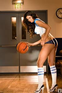 Hope Dworaczyk in body paint