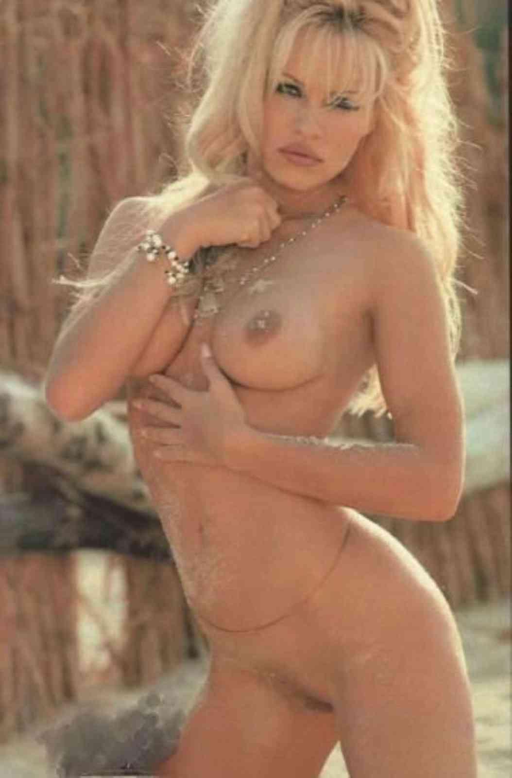 Mature woman naked art