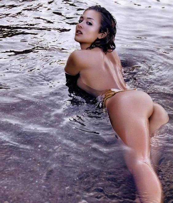 Mayra Veronica in a bikini - ass