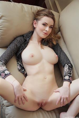Nelya Lukavenko - pussy and nipples