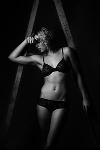 Jennifer Oleksiuk in lingerie