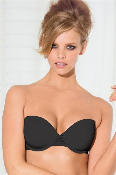 Marloes Horst in lingerie