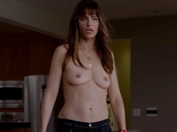 Amanda Peet - breasts