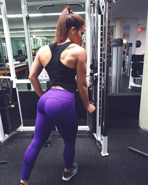 Anonymous in Yoga Pants taking a selfie and - ass