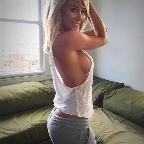 Sara Jean Underwood