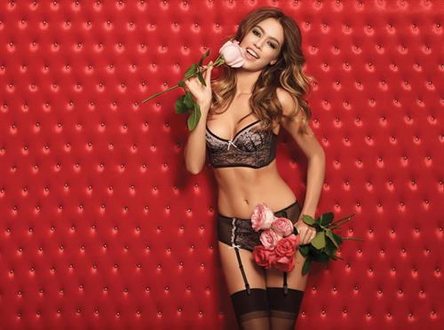 Nataliya Tkalina in lingerie