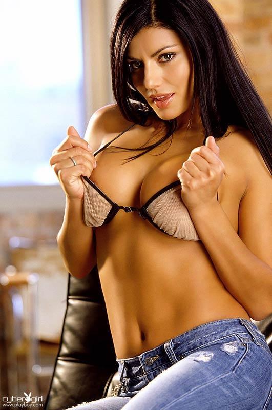 Melissa Puente in lingerie