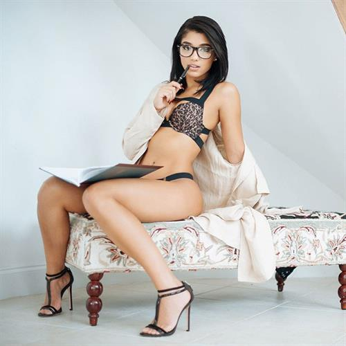 Yovanna Ventura in lingerie