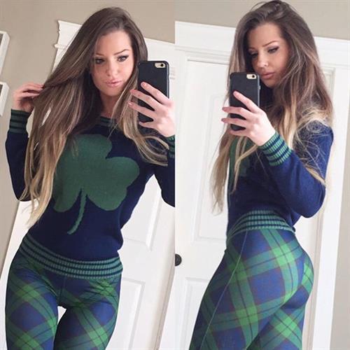 Sheala Foster taking a selfie