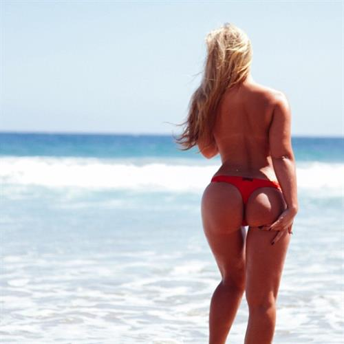 Sydney A Maler in a bikini - ass