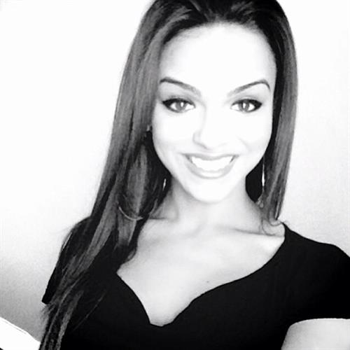 Lisa Ramos taking a selfie