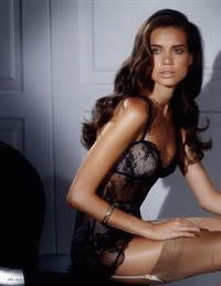 Jacqueline Oloniceva in lingerie