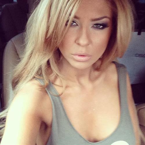Teodora Andreeva taking a selfie