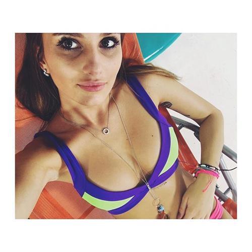 Paulina Mikolajczak in a bikini taking a selfie