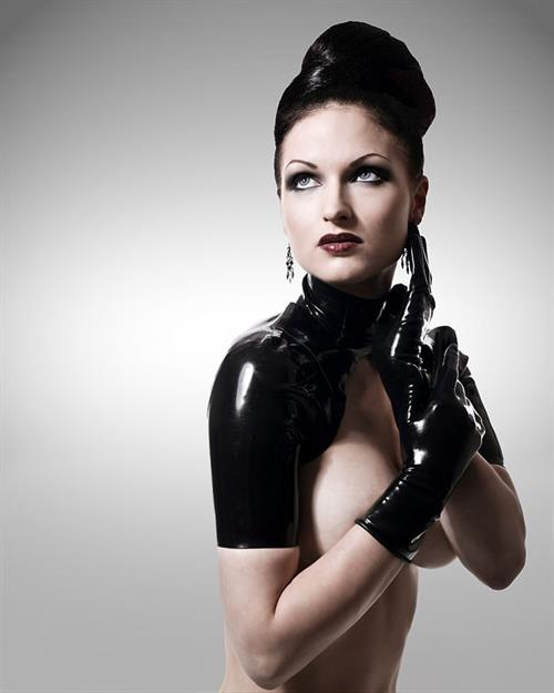Sister Sinister Pictures. Hotness Rating = Unrated