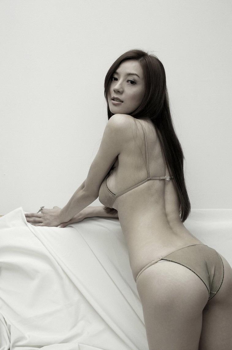 Cica Zhou in a bikini - ass