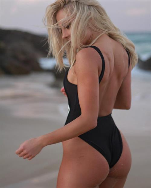 Brooke Evers in a bikini - ass