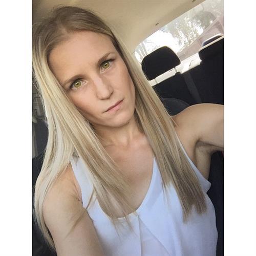 Chelsea Jaensch taking a selfie