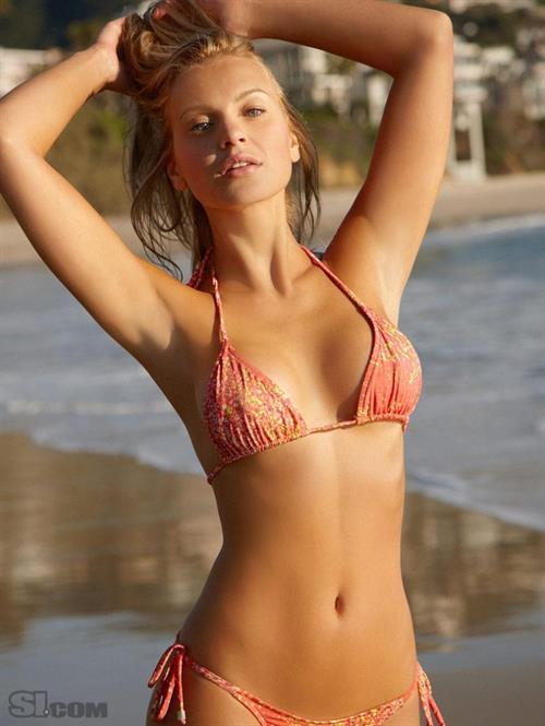 Elisandra Tomacheski