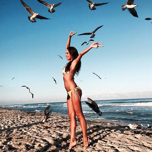 Susanna Canzian in a bikini
