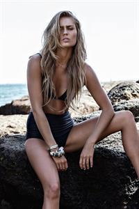Elyse Knowles