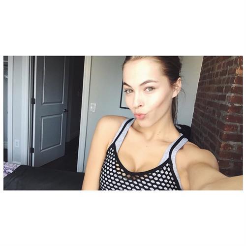 Caroline Kelley taking a selfie