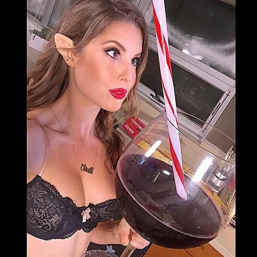 Amanda Cerny in lingerie