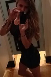 Hannah Last taking a selfie