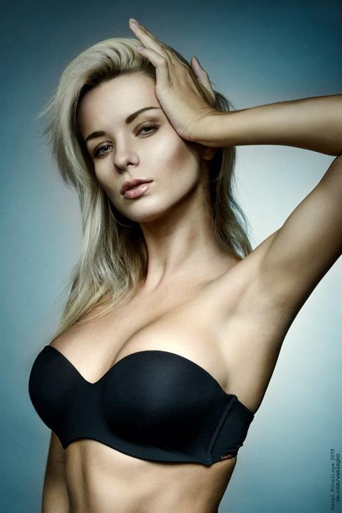 Ekaterina Enokaeva in lingerie
