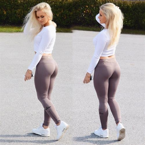 Anna Nyström in Yoga Pants - ass