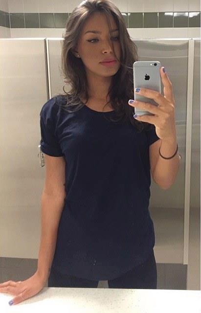 Ilfenesh Hadera taking a selfie