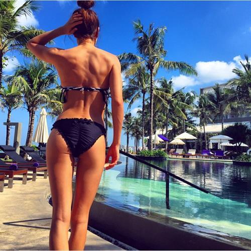 Kayla Itsines in a bikini - ass